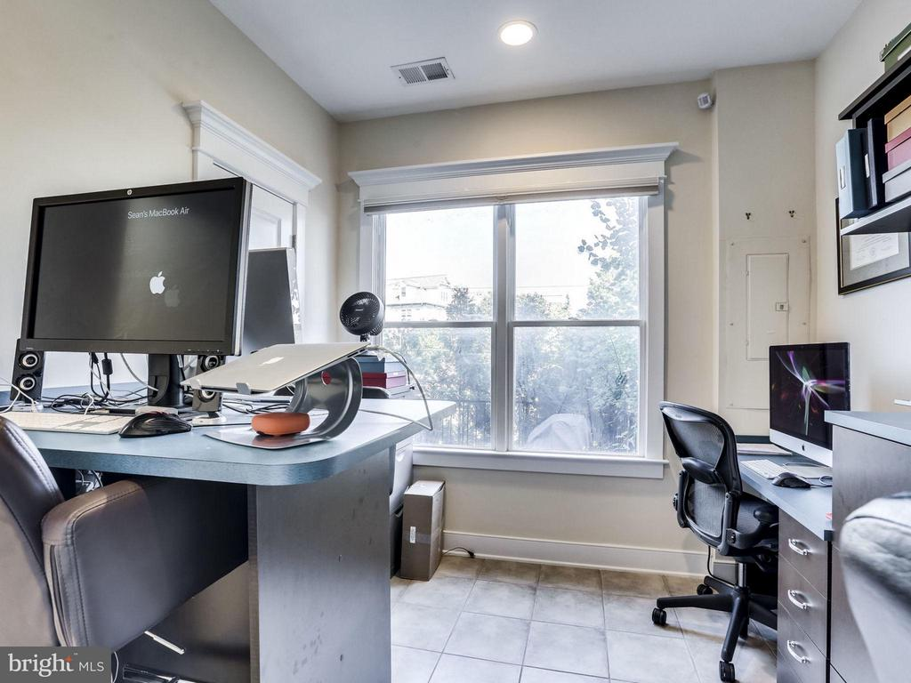 Lower Level Bedroom/Office - 2203 19TH CT N, ARLINGTON