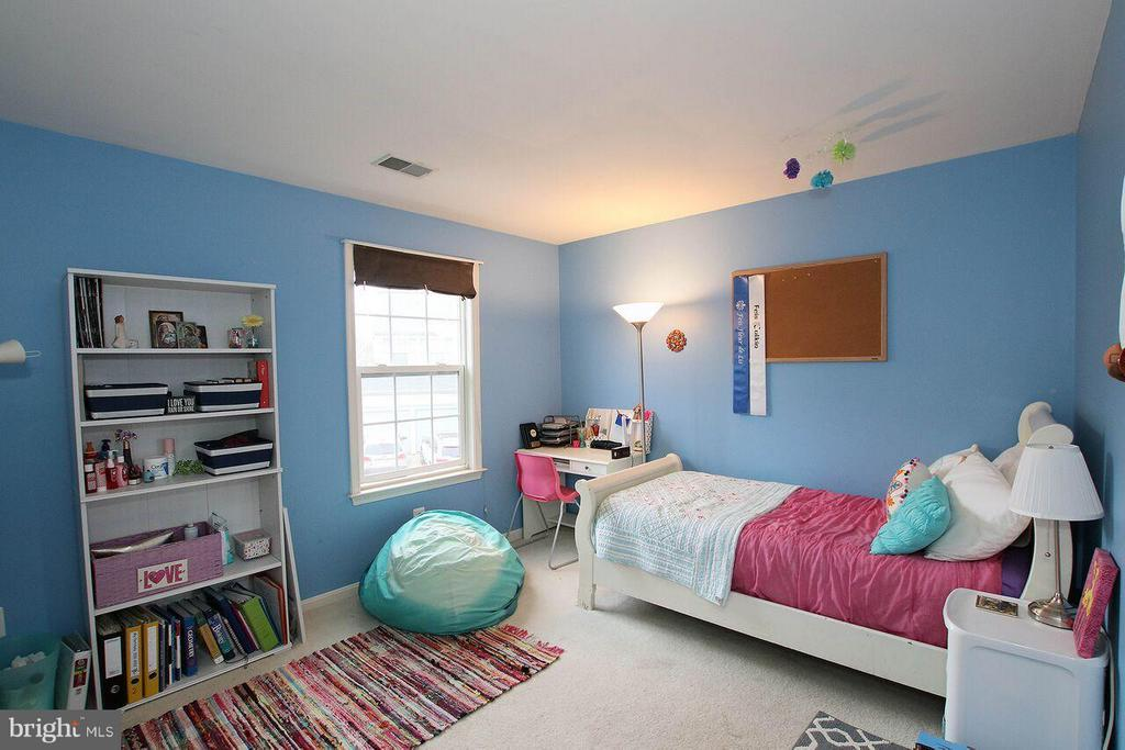 Upper level Bedroom 3 - 47745 ALLEGHENY CIR, STERLING