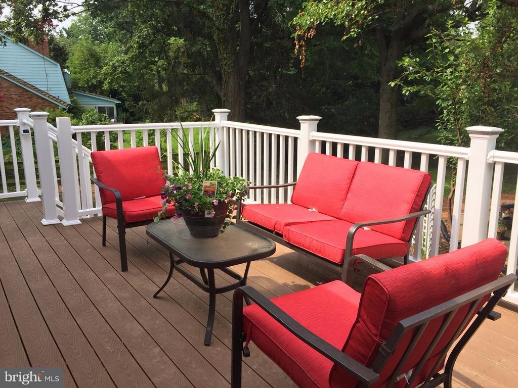 deck - 1240 TITANIA LN, MCLEAN