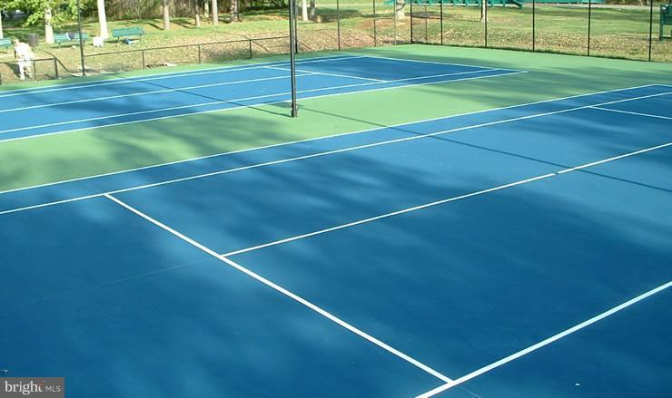community tennis - 1240 TITANIA LN, MCLEAN