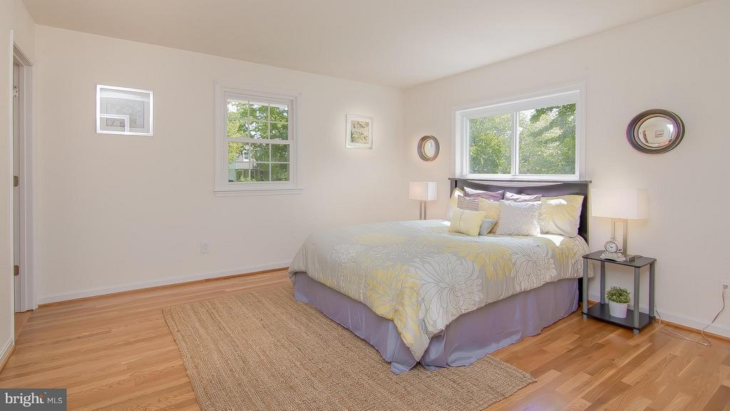 Bedroom (Master) - 1240 TITANIA LN, MCLEAN