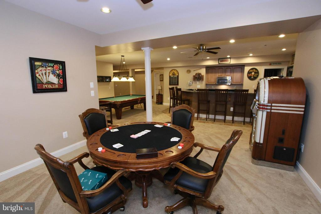 Poker, anyone? - 18733 GROVE CHURCH CT, LEESBURG