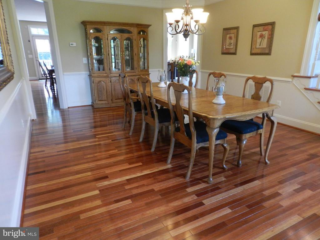 Lovely & spacious dining room - 18733 GROVE CHURCH CT, LEESBURG
