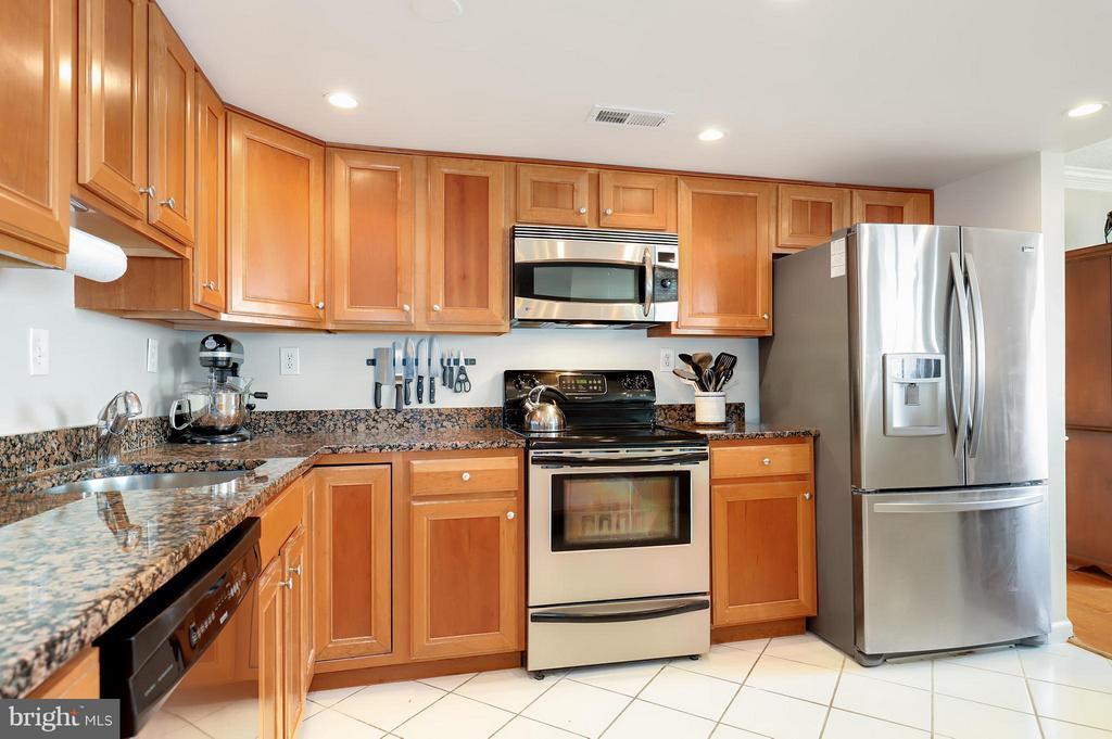 Kitchen - 1515 ARLINGTON RIDGE RD #702, ARLINGTON