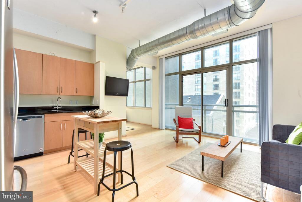 Living/ kitchen with open floor plan - 811 4TH ST NW #521, WASHINGTON