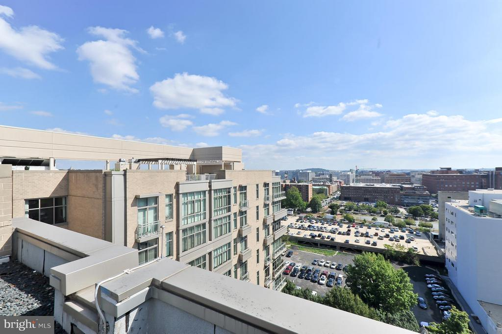 Roof top view - 811 4TH ST NW #521, WASHINGTON
