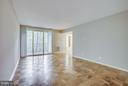 The Spacious Living Room overlooks the Park - 5041 7TH RD S #102, ARLINGTON