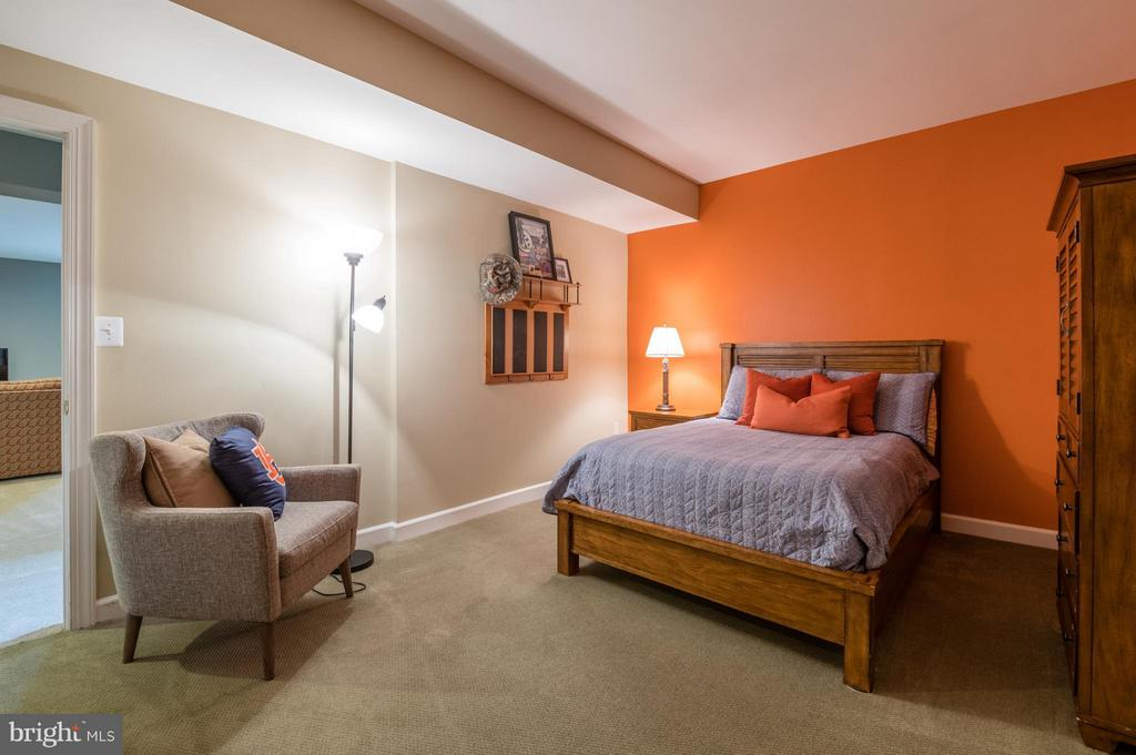 Den in Lower Level with a Full Bath Nearby - 3013 ROSE CREEK CT, OAKTON