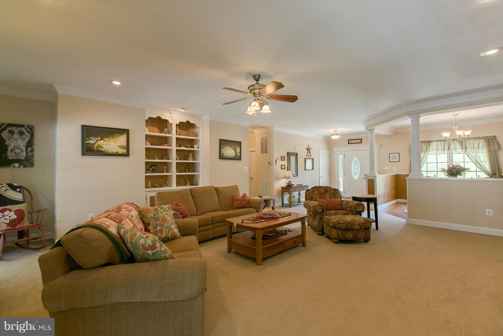 Great Room with Built-in shelves - 615 BETHEL CHURCH RD, FREDERICKSBURG