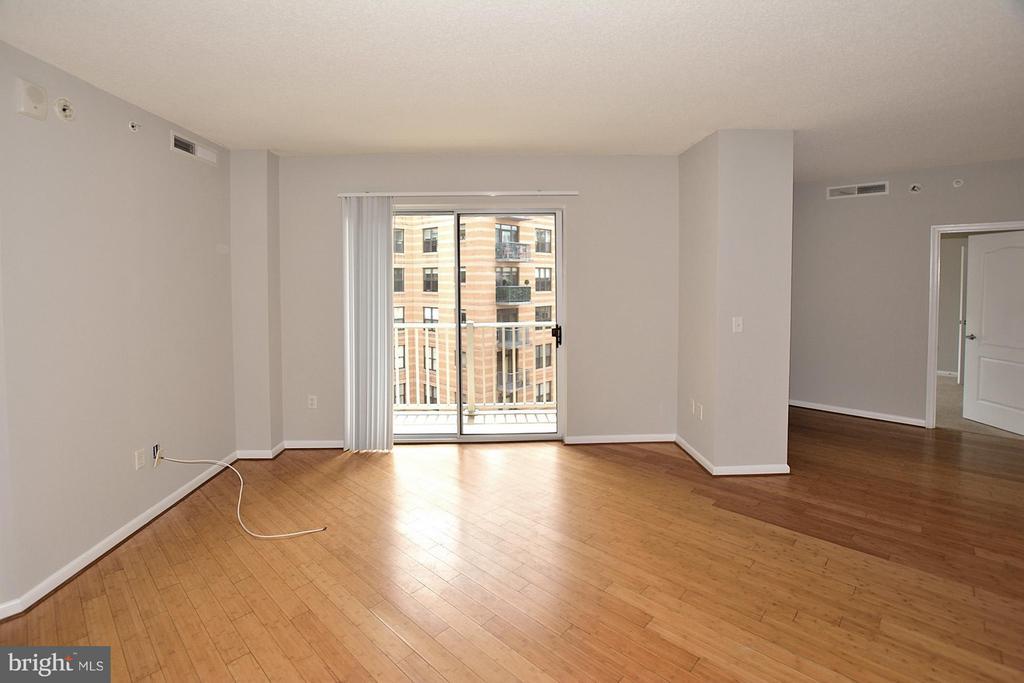 Living Room - 1111 11TH ST NW #607, WASHINGTON