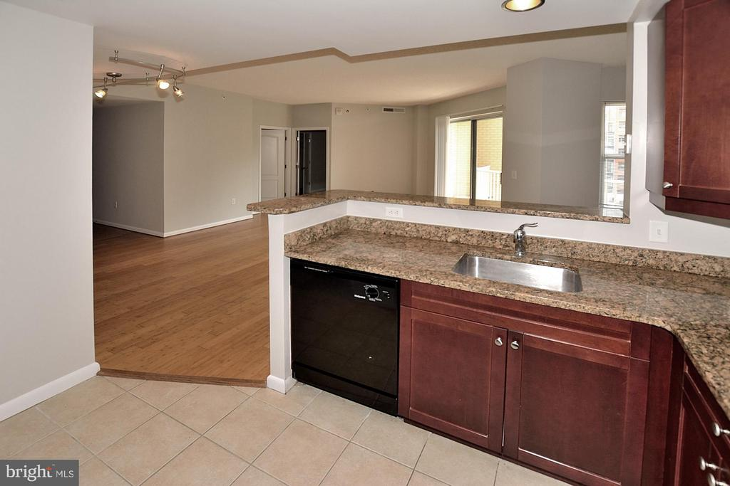Kitchen - 1111 11TH ST NW #607, WASHINGTON