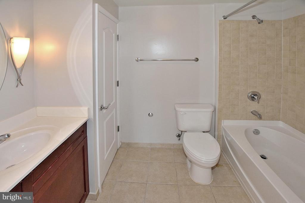 Bath (Master) - 1111 11TH ST NW #607, WASHINGTON