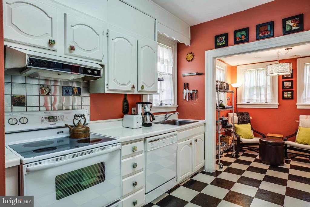 Kitchen - 1107 KENMORE AVE, FREDERICKSBURG