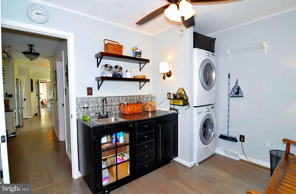 Laundry features Energy Star W & D - 23470 DOVER RD, MIDDLEBURG