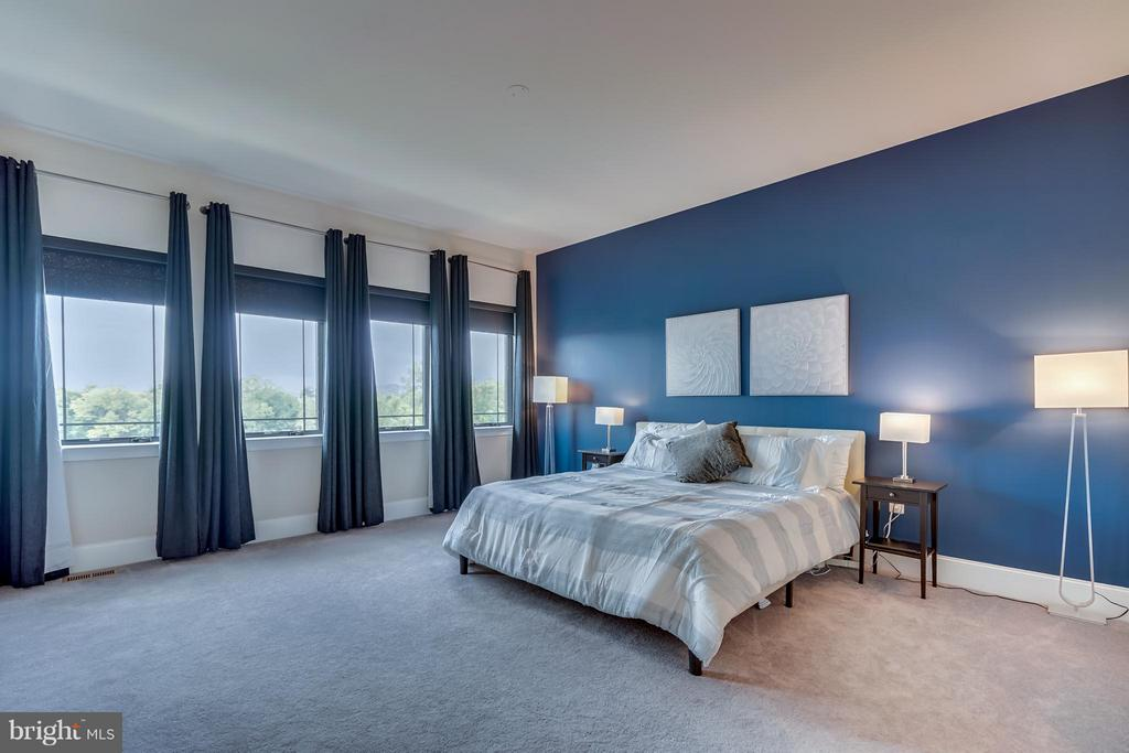 Master Suite With Plenty of Natural Light - 44661 BRUSHTON TER, ASHBURN