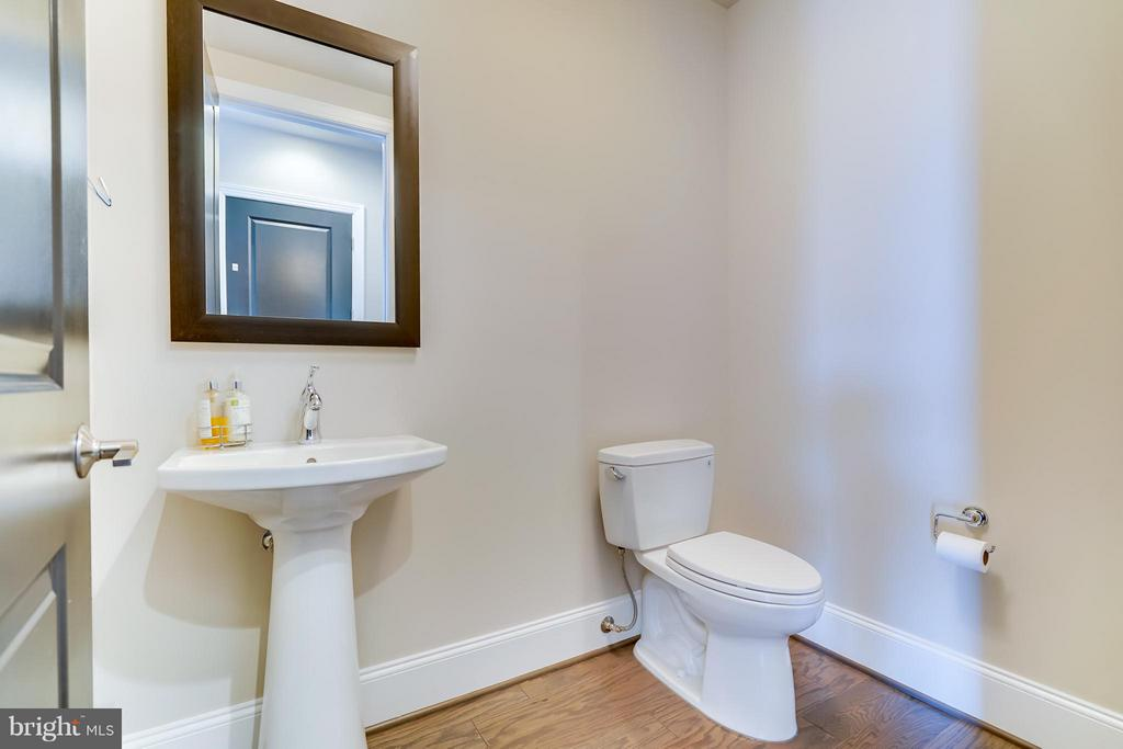 1st Level Powder Room - 44661 BRUSHTON TER, ASHBURN