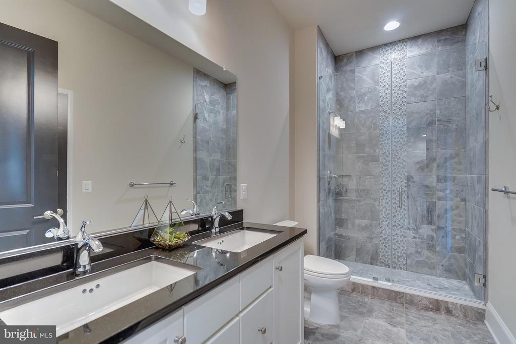 Fantastic Floor to Ceiling Tile Work in Shower - 44661 BRUSHTON TER, ASHBURN