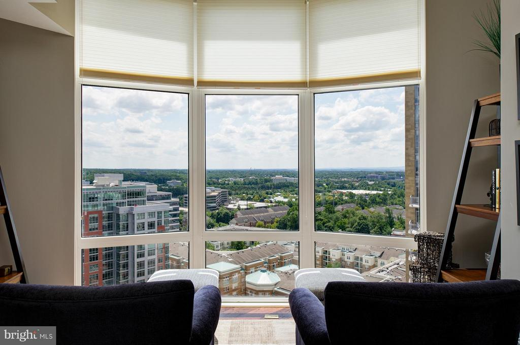 A wonderful place to unwind & watch sunsets - 11990 MARKET ST #1801, RESTON