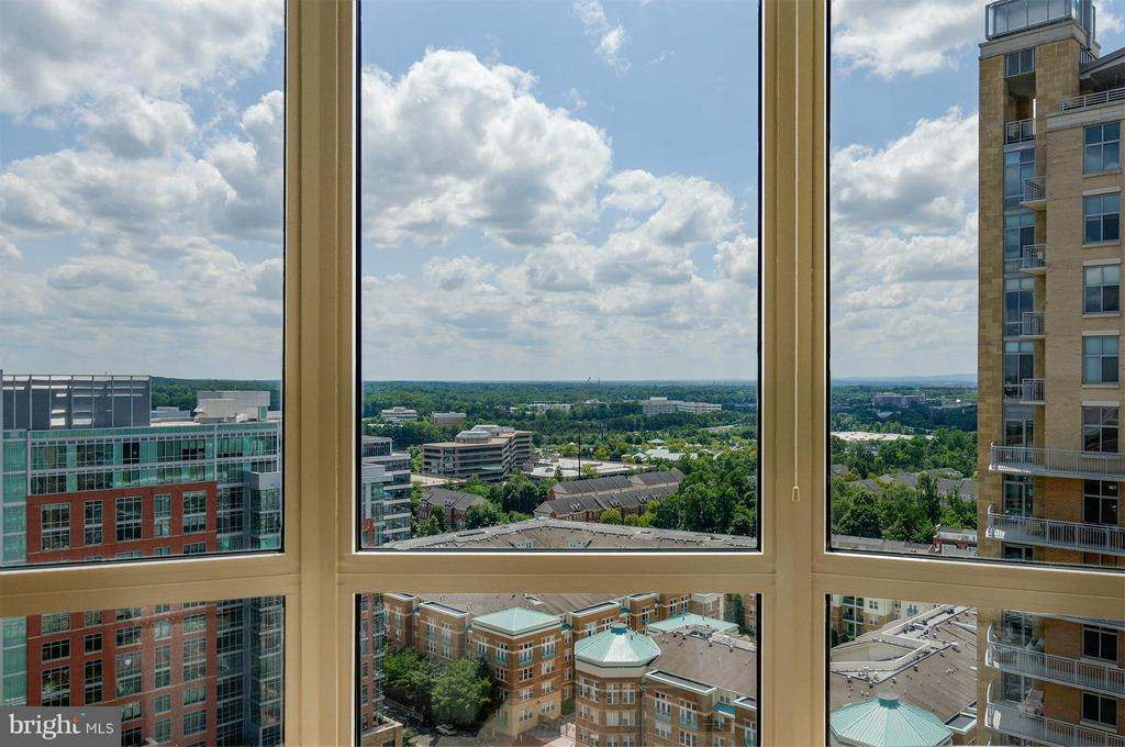 Spectacular views of the Blue Ridge Mountains - 11990 MARKET ST #1801, RESTON