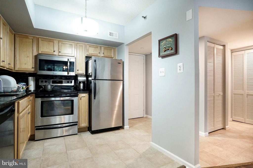 Kitchen - 1001 N RANDOLPH ST #213, ARLINGTON