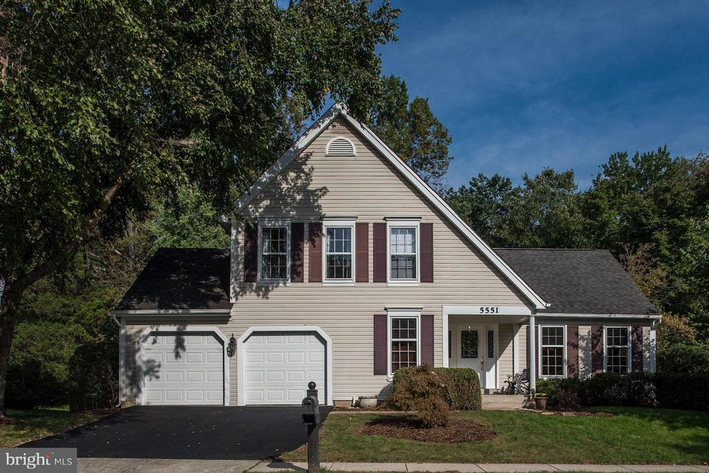 Welcome to 5551 Sequoia Farms Drive! - 5551 CEDAR BREAK DR, CENTREVILLE