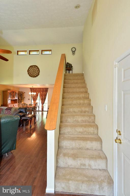 Two Story Entry Foyer - 39 CONIFER CT, HARPERS FERRY