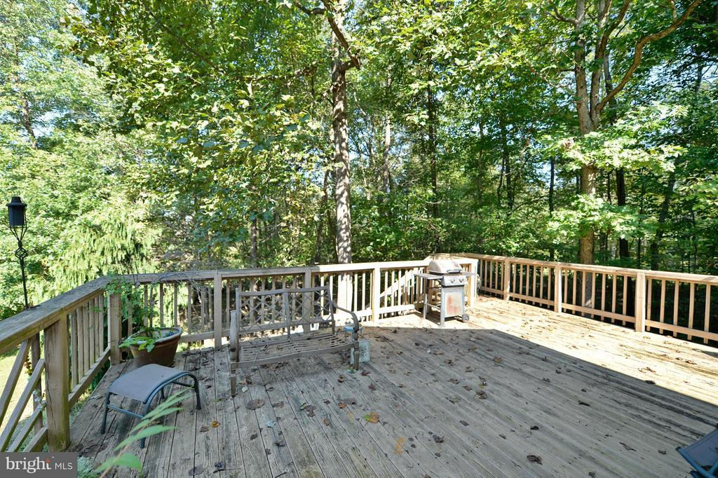 Side Deck - 39 CONIFER CT, HARPERS FERRY