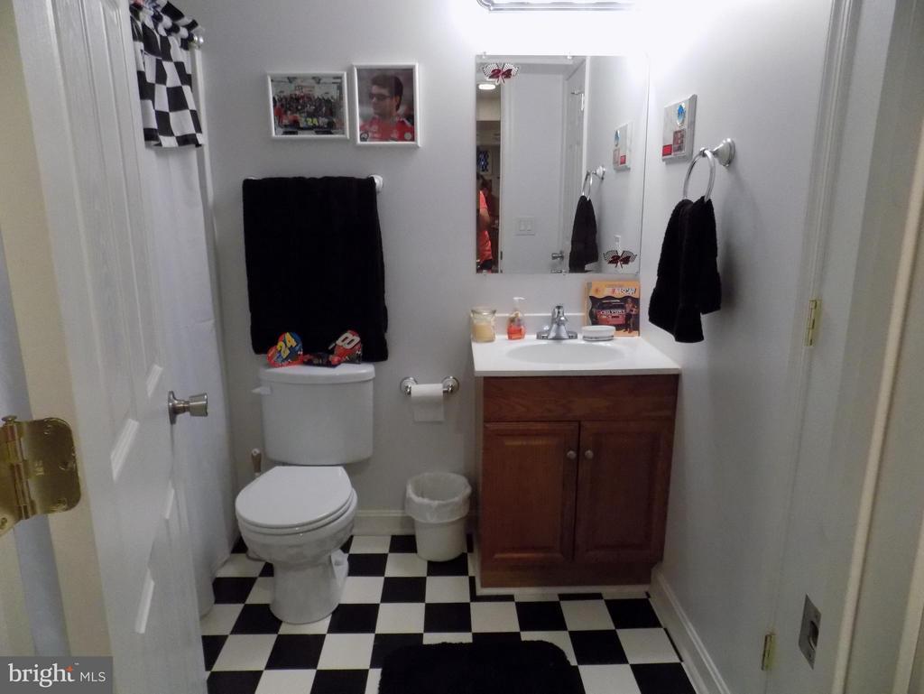Basement full bath - 10285 REDBUD RD, UNIONVILLE