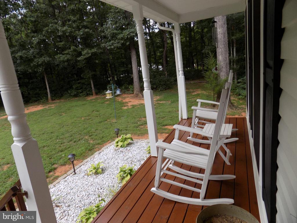 Exterior (Front) Country front porch to sit on - 10285 REDBUD RD, UNIONVILLE