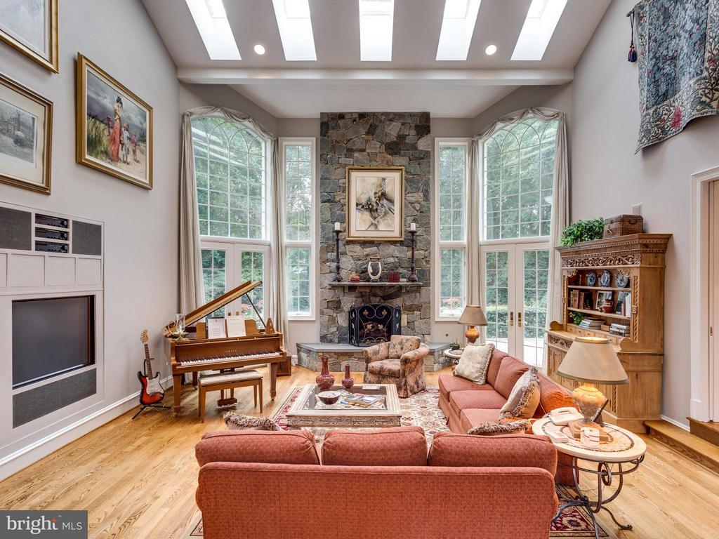 Family Room - 1031 TOWLSTON RD, MCLEAN