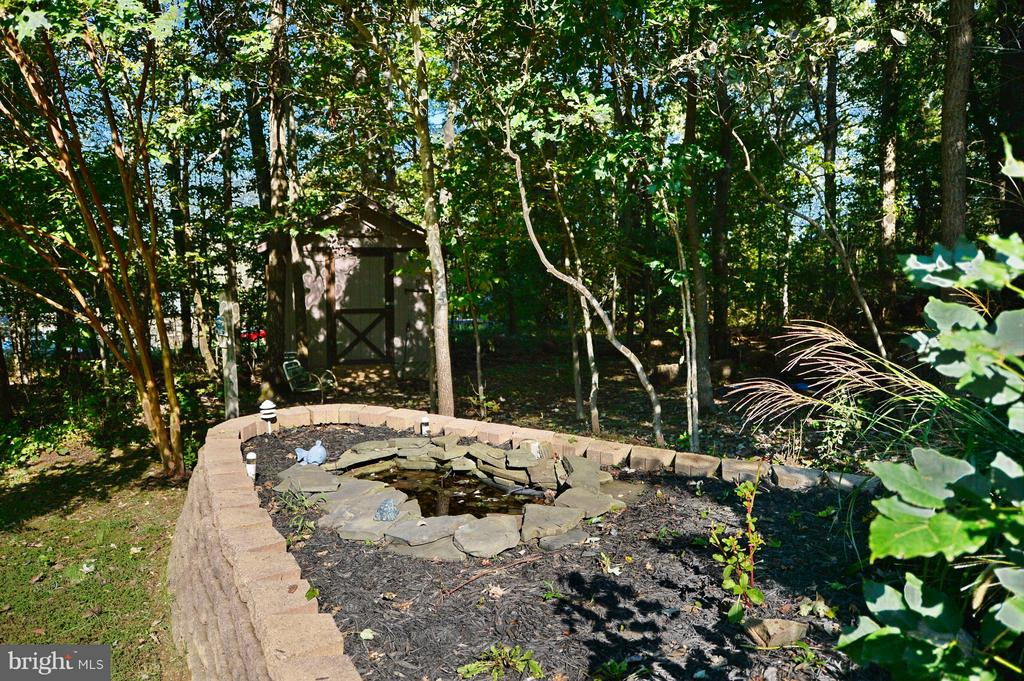 Paver Garden with Water Feature - 39 CONIFER CT, HARPERS FERRY
