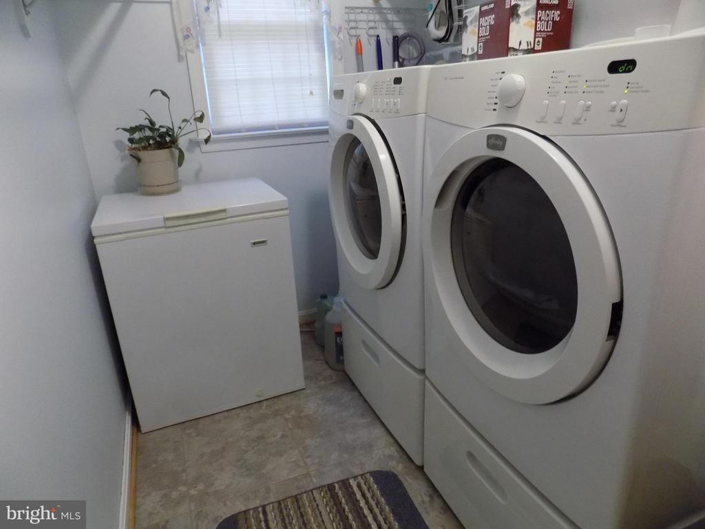 Separate laundry room) - 10285 REDBUD RD, UNIONVILLE