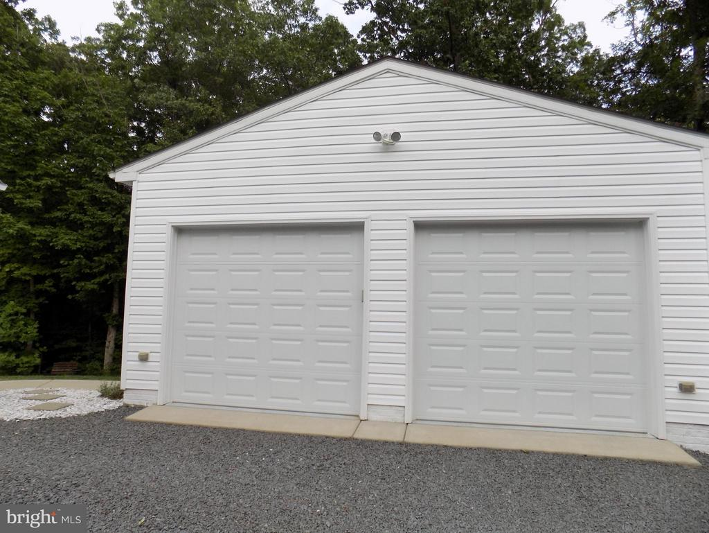 An extra detached man cave garage - 10285 REDBUD RD, UNIONVILLE