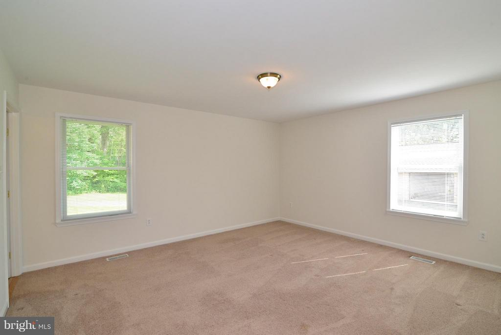 Bedroom (Master) - 15224 WATERLOO RD, AMISSVILLE