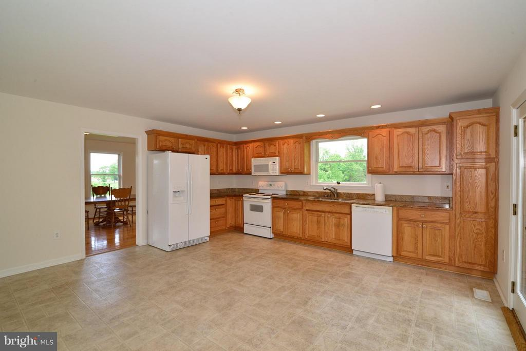 Kitchen - 15224 WATERLOO RD, AMISSVILLE