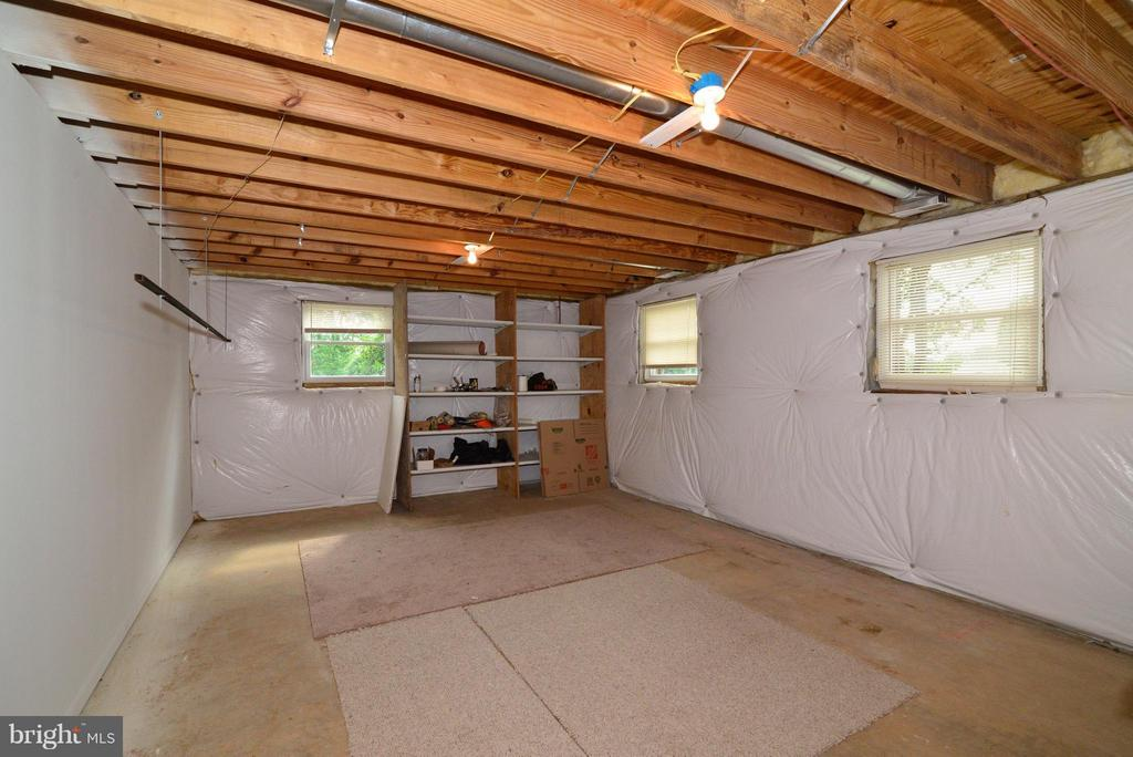 Basement - 15224 WATERLOO RD, AMISSVILLE