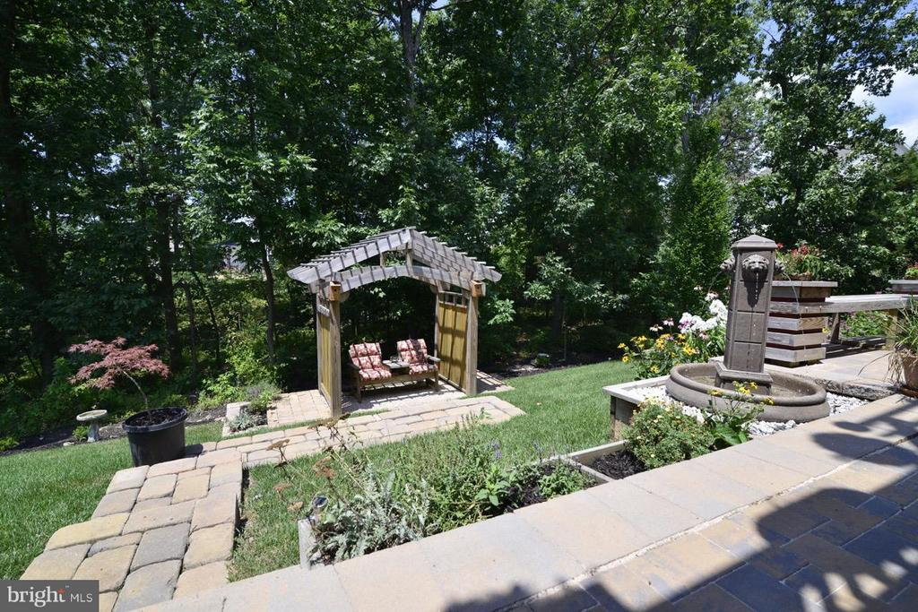 Backyard Gazebo - 21203 NED DR, ASHBURN