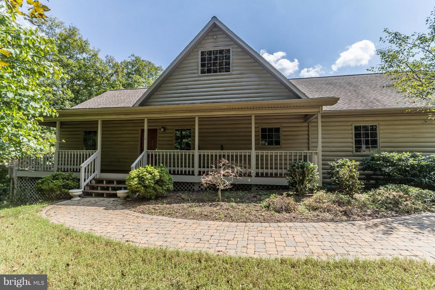 Single Family for Sale at 301 Patrick Place Berkeley Springs, West Virginia 25411 United States