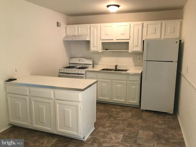 New Appliances and Floor - 4532 KNOLL DR, WOODBRIDGE