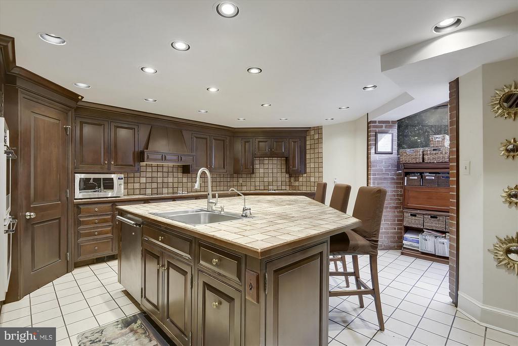 Main Kitchen - 2034 O ST NW, WASHINGTON