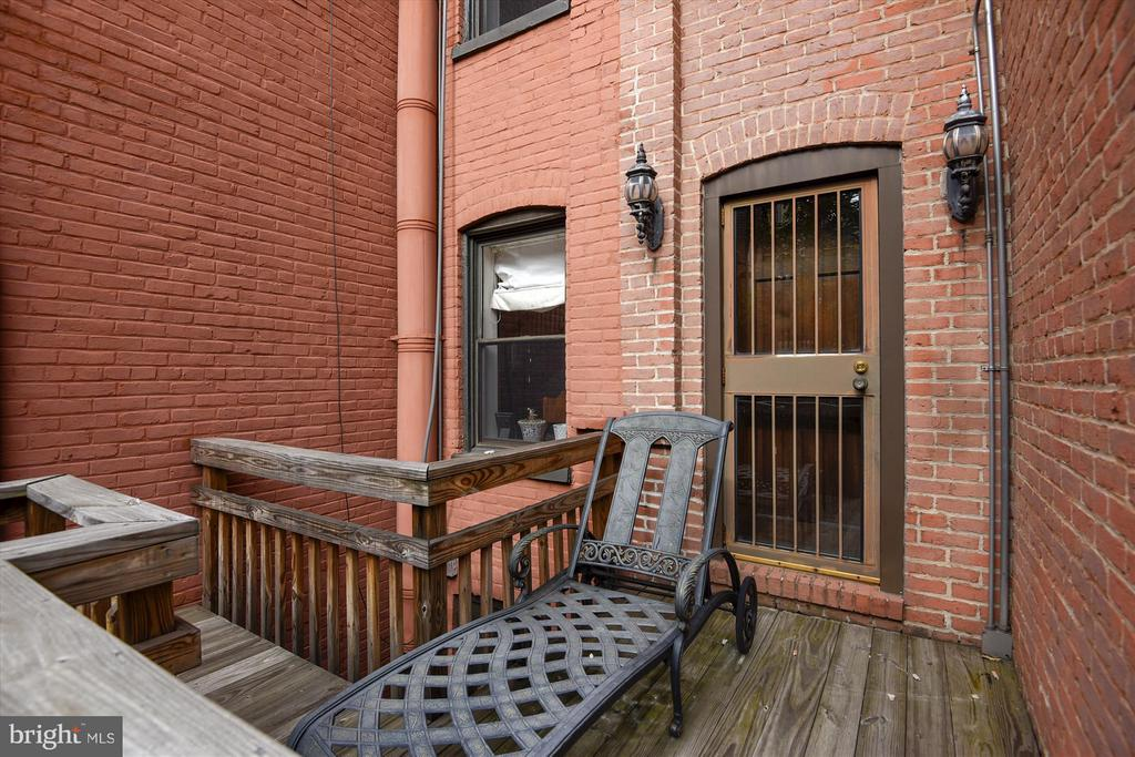 Back entrance to enclosed patio - 2034 O ST NW, WASHINGTON