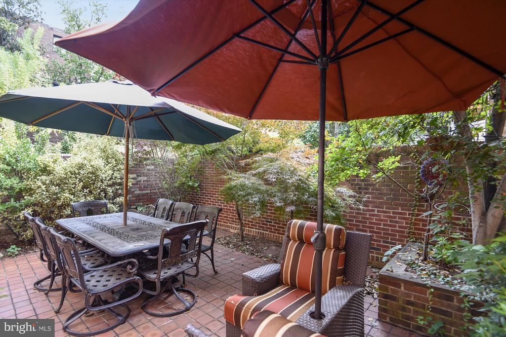 Backyard Patio - 2034 O ST NW, WASHINGTON