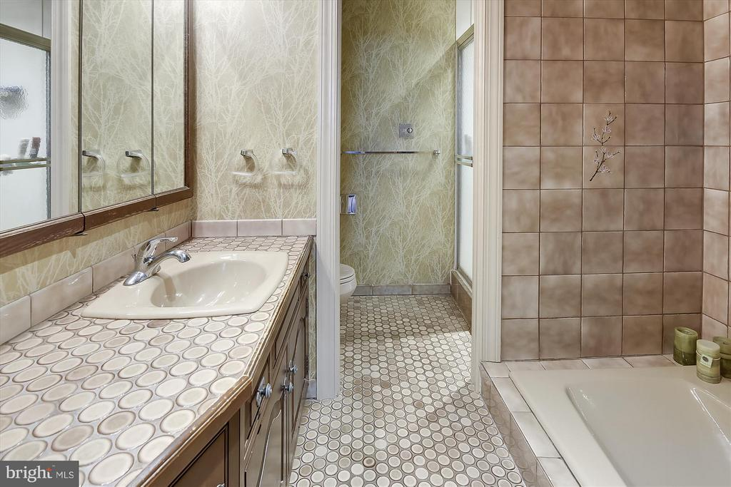 Master Full Bath - 2034 O ST NW, WASHINGTON