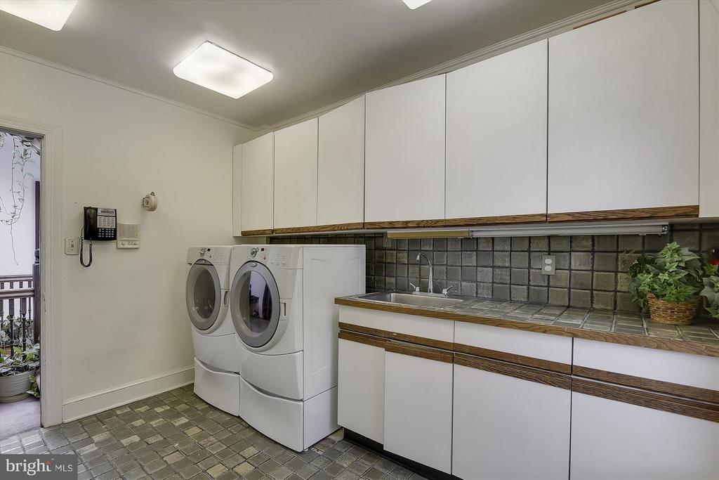 Laundry room - 2034 O ST NW, WASHINGTON