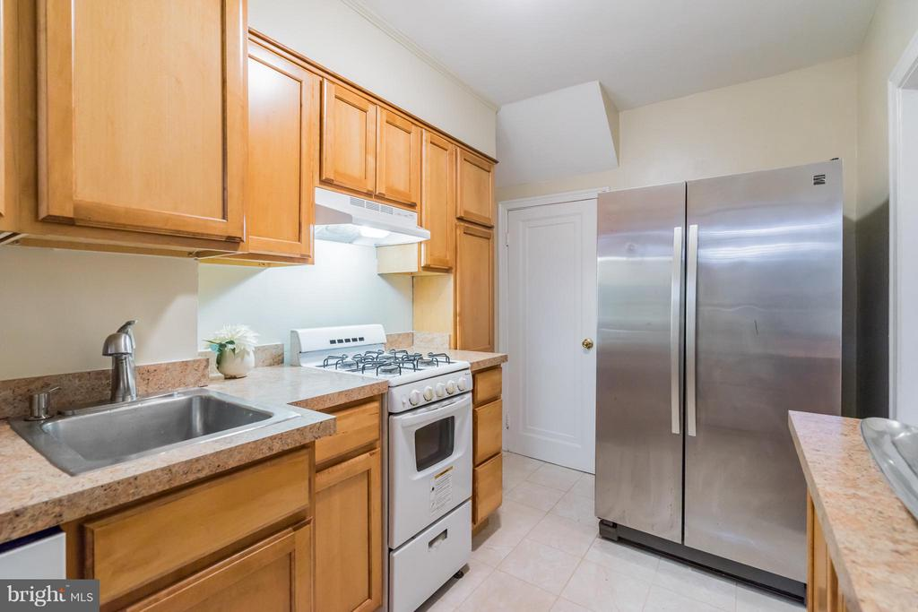 Kitchen - 909 ORME ST, ARLINGTON