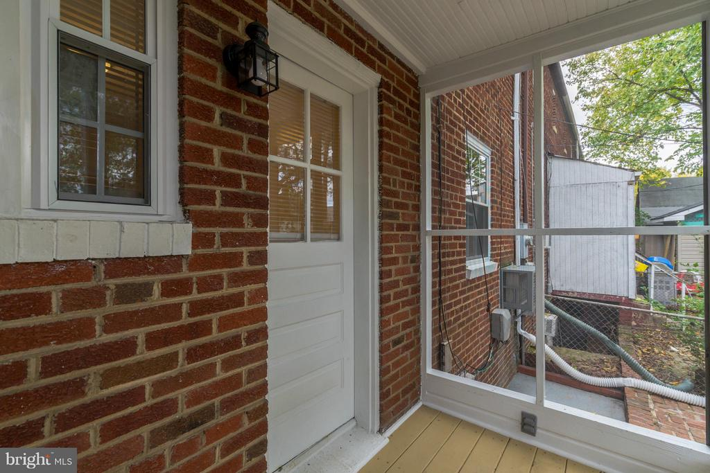 Exterior (Rear) - 909 ORME ST, ARLINGTON