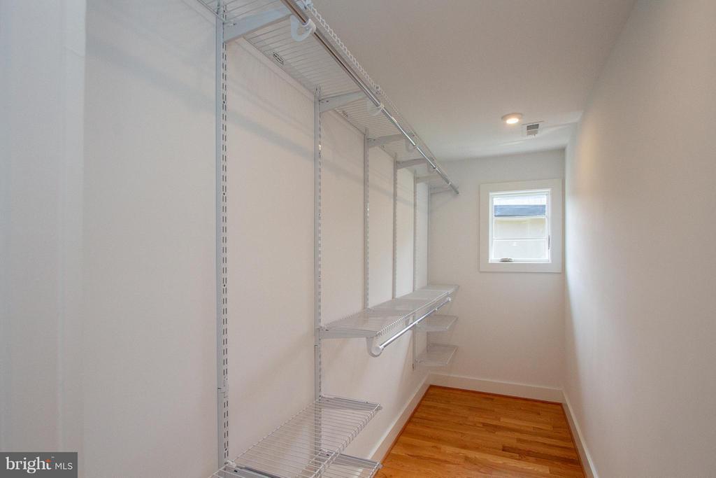 Generous Master Bedroom walk-in closet - 3200 LORCOM LN, ARLINGTON
