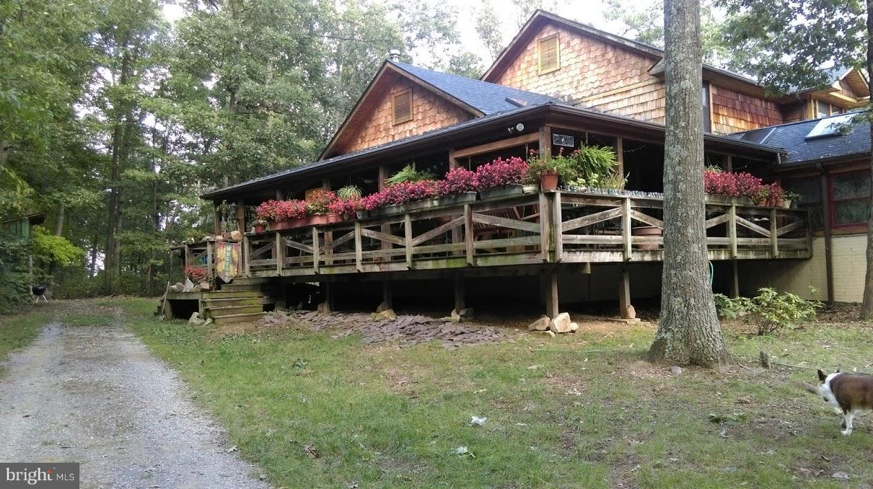 Single Family for Sale at 322 Kline Farm Ln Berkeley Springs, West Virginia 25411 United States