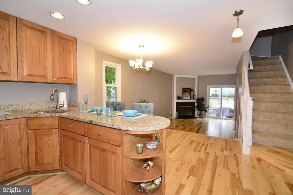 Kitchen - 11205 SILENTWOOD LN, RESTON