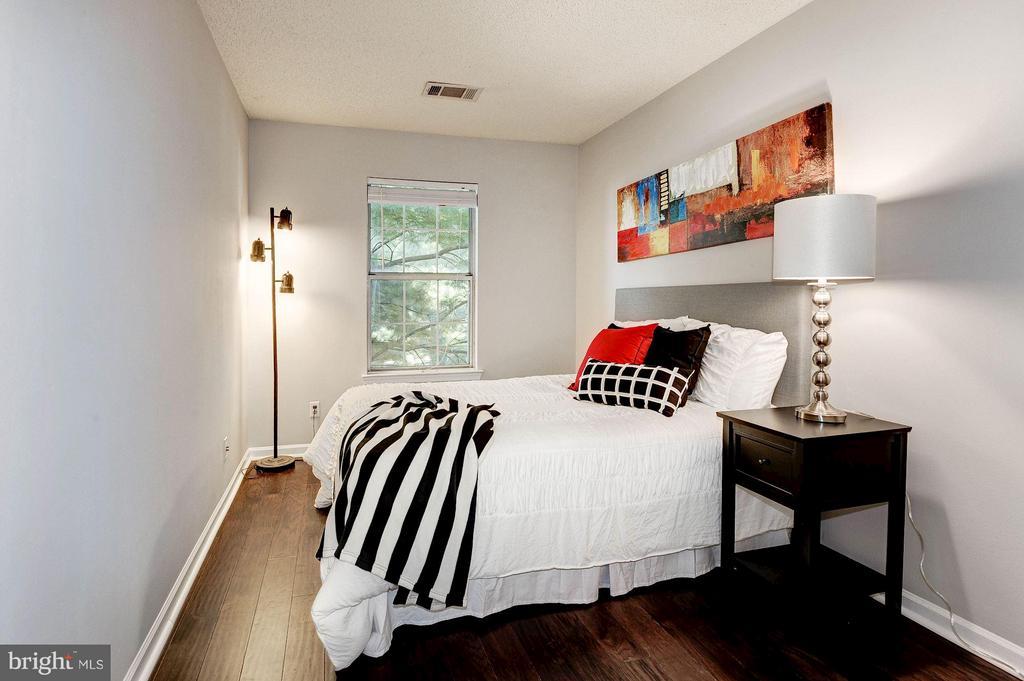 Second (of three) bedrooms - 3903 GOLF TEE CT #326, FAIRFAX